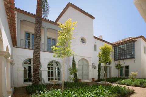 patio-interior-2refurbishments Costa del Sol, Marbella, Malaga, Mijas, Fuengirola